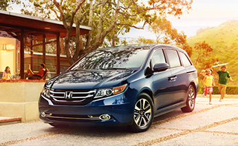 Jacksonville resident getting a new Honda car quote from Duval Honda